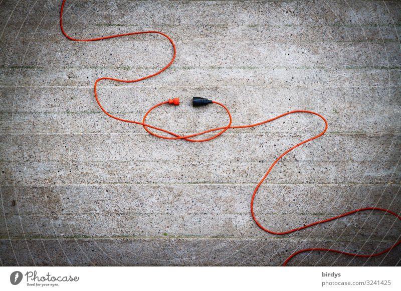Heteropaar Kabel Stecker Steckdose maskulin feminin 2 Mensch Beton Kunststoff Liebe authentisch lustig positiv grau orange Glück Leidenschaft Sympathie