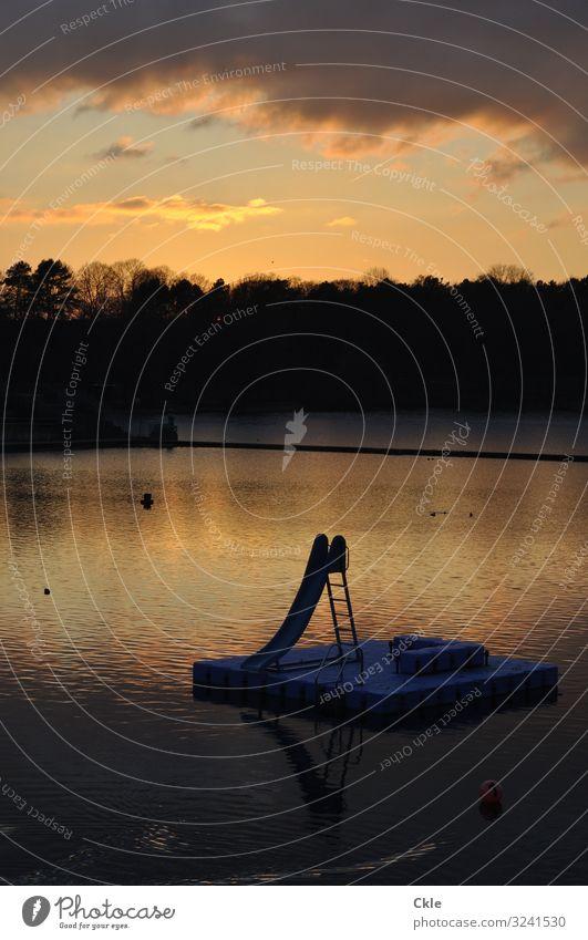 Zukunft Freude Abenteuer Freiheit Wassersport Schwimmen & Baden Rutsche Sportstätten Schwimmbad Feierabend Skulptur Umwelt Himmel Wolken Gewitterwolken