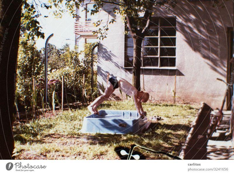 Über sieben Brücken .. Siebziger Jahre Sommer Schwimmen & Baden Ferien & Urlaub & Reisen Sommerferien Badewanne Freude große Ferien Junge Kind