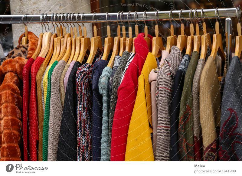 Verschiedenes Herbst- und Winterbekleidung steht zum Verkauf Mode verkaufen Bekleidung Kleid Wärme tragen Wolle mehrfarbig Stil stricken Saison Pullover Bonus