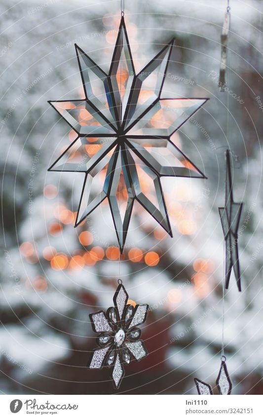 Sterne aus Glas blau gelb grau schwarz weiß Stern (Symbol) geschliffen Reflexion & Spiegelung Weihnachten & Advent Lichtpunkt Schneelandschaft hängen Fenster