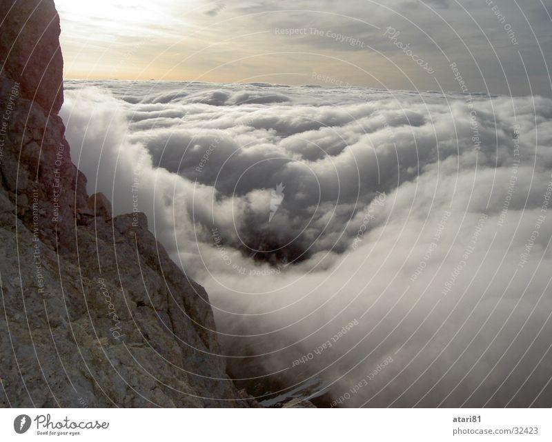 über den Wolken... Sonnenuntergang Berge u. Gebirge Schnee
