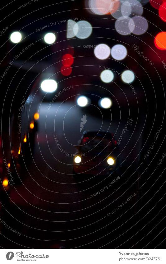 Nacht Brücke Verkehr Verkehrsmittel Verkehrswege Berufsverkehr Straßenverkehr Autofahren Verkehrsstau Autobahn Fahrzeug PKW Lastwagen dunkel Müdigkeit Farbfoto