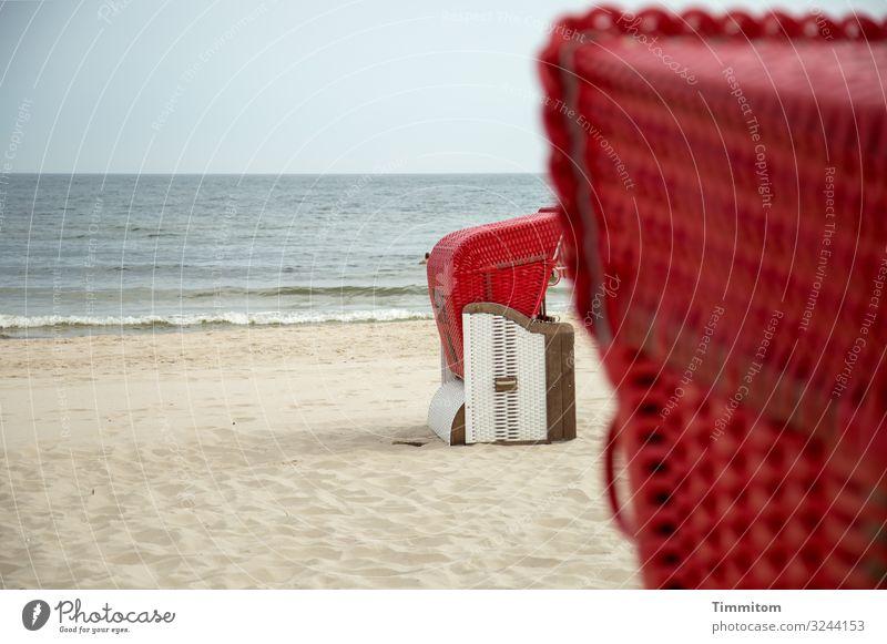 Am Ziel Ferien & Urlaub & Reisen Tourismus Strand Meer Umwelt Natur Urelemente Sand Wasser Himmel Schönes Wetter Ostsee Holz Kunststoff blau braun rot Gefühle
