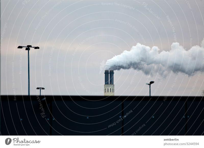 Kraftwerk Schornstein Rauch Abgas Wasserdampf Umweltschutz Umweltverschmutzung Kohlendioxid Fabrik Industrie Himmel Himmel (Jenseits) Berlin Nebel Dunst Herbst