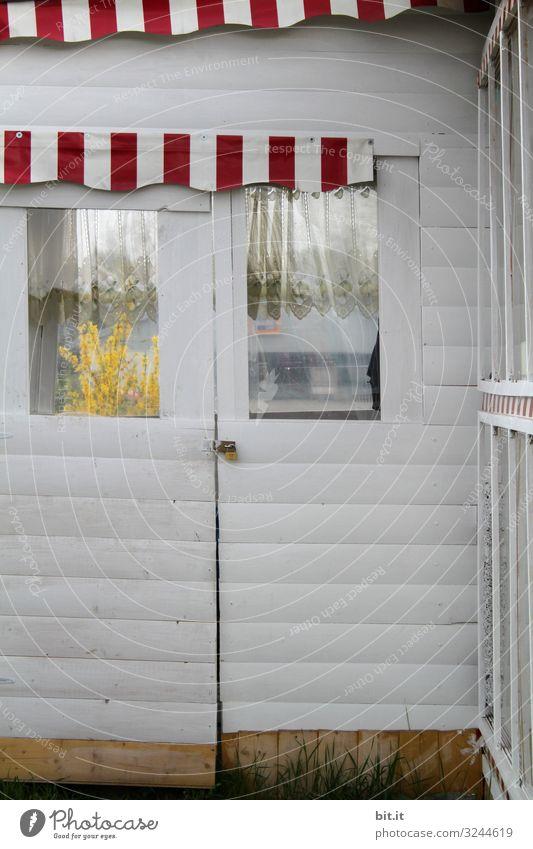 Gartenhaus im mediteranen Stil Haus Strand Fenster Glück Fassade Zufriedenheit Tür Lebensfreude Hütte Hafenstadt Schweden Strandhaus