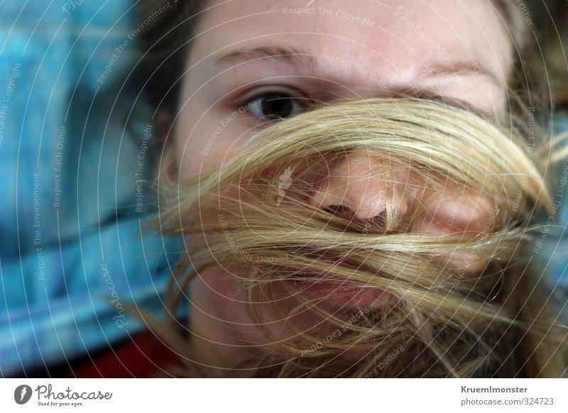 Lieg hier und liebe dich. Mensch feminin Junge Frau Jugendliche Haare & Frisuren 1 18-30 Jahre Erwachsene blond langhaarig ästhetisch schön kuschlig Ehrlichkeit