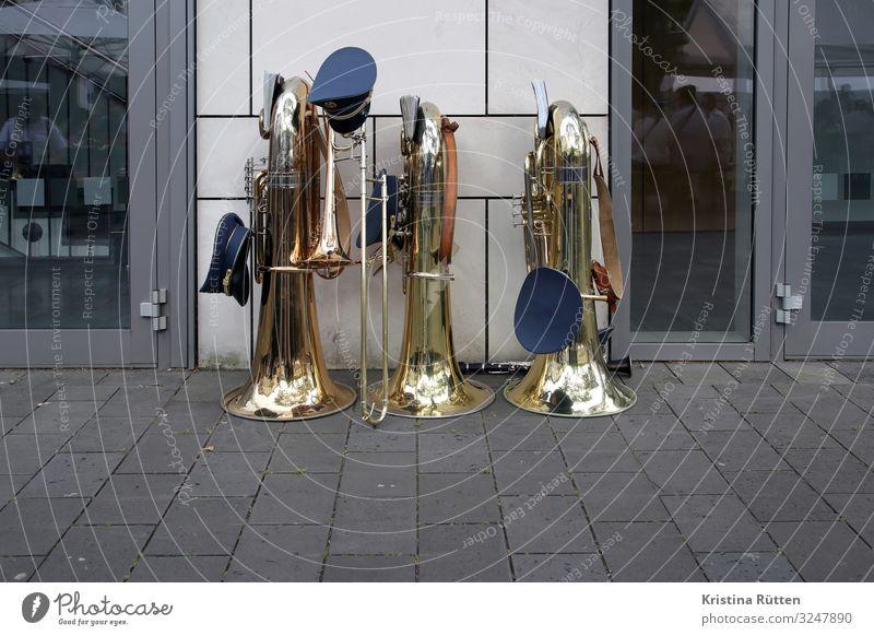 musikpause Freizeit & Hobby Musik Feste & Feiern Jahrmarkt Veranstaltung Band Musikinstrument Blasinstrumente Tuba Posaune Klarinette Kreis Neuss warten Pause