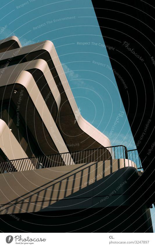 architektur Büro Wirtschaft Baustelle Business Mittelstand Himmel Wolkenloser Himmel Schönes Wetter Düsseldorf Stadt Stadtzentrum Haus Hochhaus Brücke Bauwerk