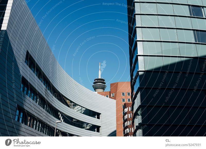 medienhafen düsseldorf Stadt Architektur Wand Business Gebäude Deutschland Mauer Fassade Büro modern Hochhaus ästhetisch Perspektive Schönes Wetter Turm
