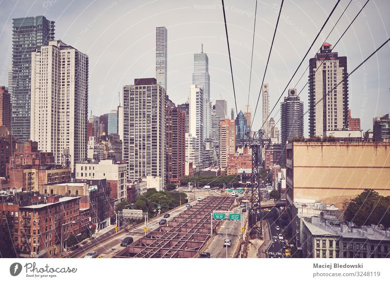 Retro getontes Bild der Skyline von Manhattan, New York. Ferien & Urlaub & Reisen Städtereise Häusliches Leben Wohnung Büro Stadt Hochhaus Gebäude Architektur