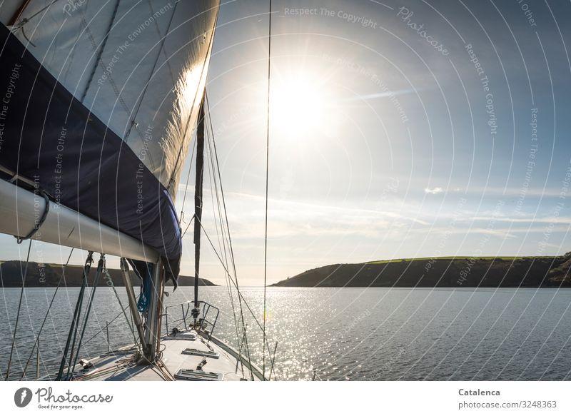 Segeln bei stiller, ruhiger See früh am Morgen Freiheit Segelschiff Ferien & Urlaub & Reisen Nordsee Wellen Tageslicht Himmel Horizont Sommer Wasser Meer segeln