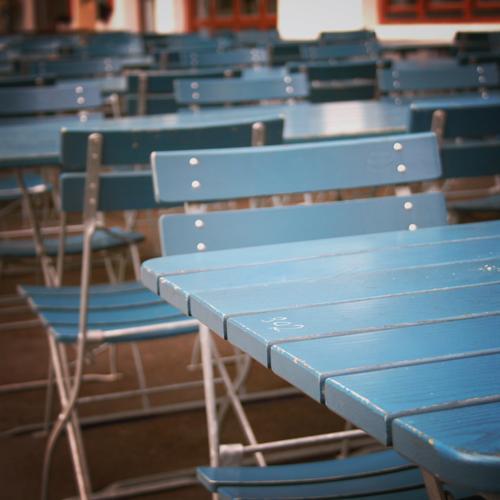 montag ruhetag Freizeit & Hobby Sommerurlaub Stuhl Tisch Restaurant ausgehen Essen Gastronomie Feierabend sitzen Freude Fröhlichkeit Lebensfreude Vorfreude