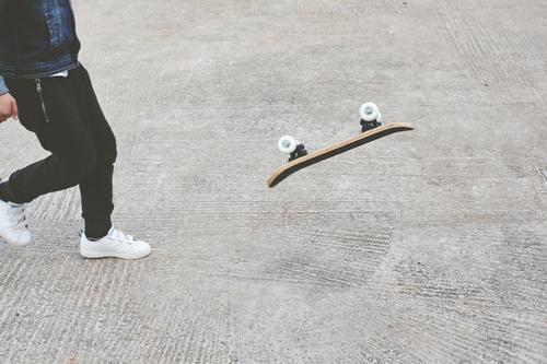 Kind Mensch Jugendliche Mann Sommer Freude Straße Lifestyle Erwachsene Sport Junge Park Körper Kindheit Aktion genießen