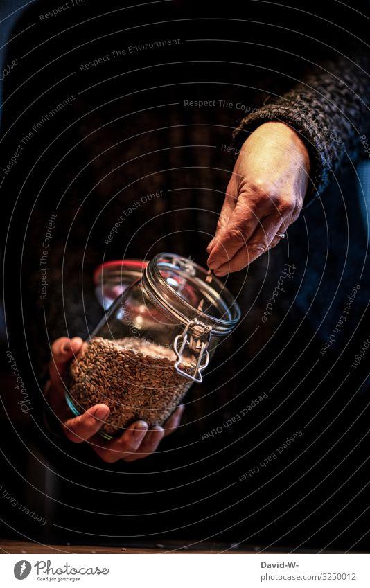 Einmachgläser gefüllt mit Lebensmitteln nachhaltig Nachhaltigkeit einmachgläser Einmachglas aufbewahren aufbewahrungsbehälter Behälter u. Gefäße Farbfoto Glas