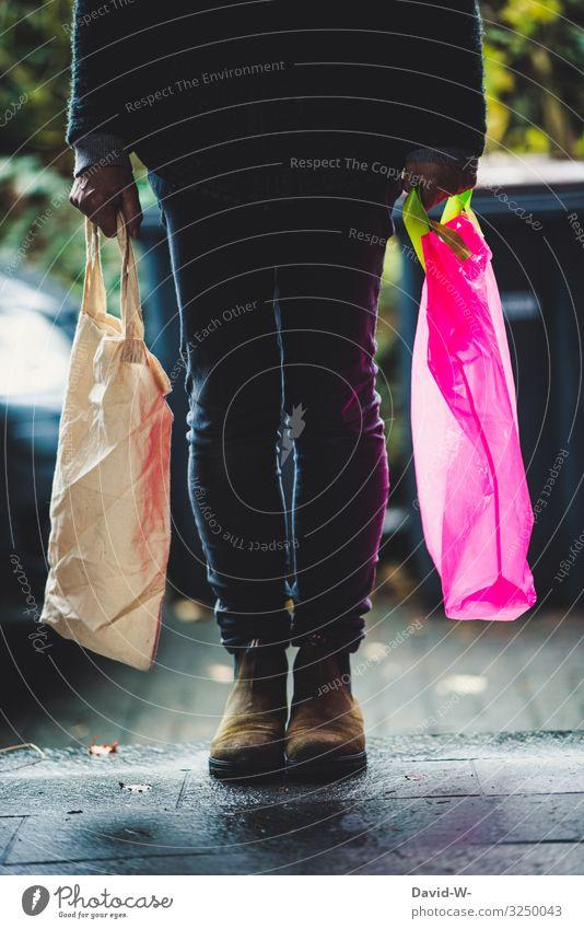 Stoff vs Plastik Lifestyle kaufen elegant Stil Design Häusliches Leben Wohnung Wirtschaft Handel Mensch feminin Frau Erwachsene 1 Umwelt Natur Klima Klimawandel