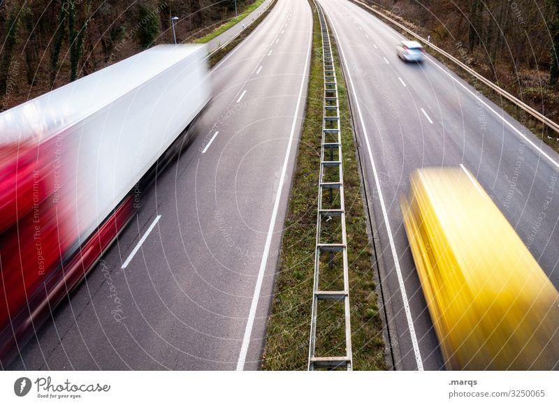 Güterverkehr Verkehr Straße Autobahn fahren Geschwindigkeit Mobilität Termin & Datum Bewegungsunschärfe Langzeitbelichtung Verkehrsmittel liefern Verkehrswege