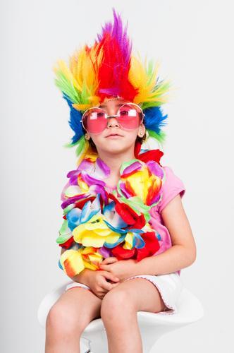 Kind Mensch Farbe weiß Freude Mädchen Gesicht lustig feminin Glück Feste & Feiern klein rosa Lächeln Kindheit Fröhlichkeit