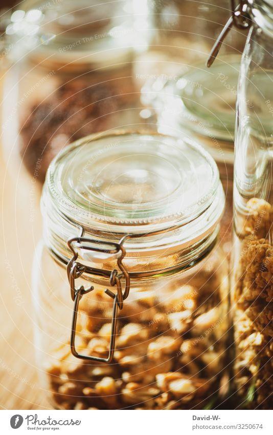 in Glasbehältern aufbewahren nachhaltig Nachhaltigkeit einmachgläser Einmachglas Nüsse Haferflocken aufbewahrungsbehälter Behälter u. Gefäße Farbfoto