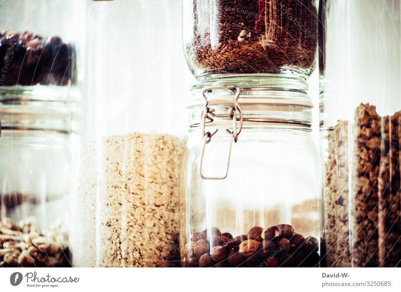 in Glasbehältern aufbewahrt Lebensmittel Ernährung Bioprodukte Vegetarische Ernährung Lifestyle kaufen Reichtum elegant Stil Design Freude Gesundheit