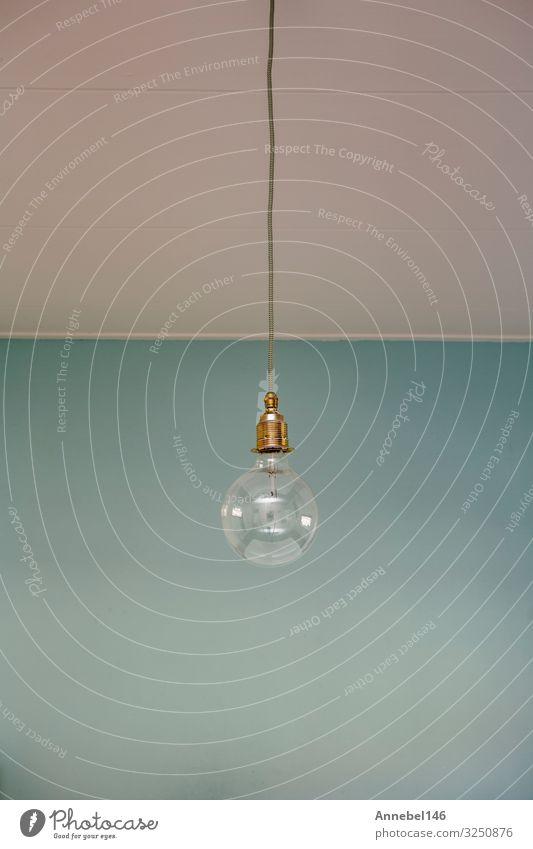 Hängelampe blauer Pastellhintergrund. Minimales Konzept. Stil Design Dekoration & Verzierung Lampe Business Technik & Technologie Kunst Mode alt einfach hell
