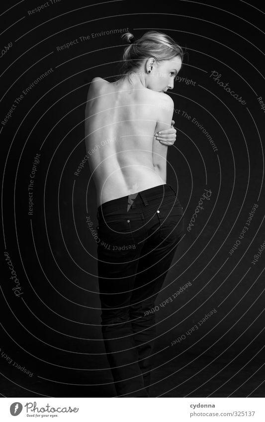 Linienführung Mensch Frau Jugendliche schön nackt Junge Frau Erwachsene Leben 18-30 Jahre Erotik Gesundheit Körper Gesundheitswesen Haut elegant Rücken