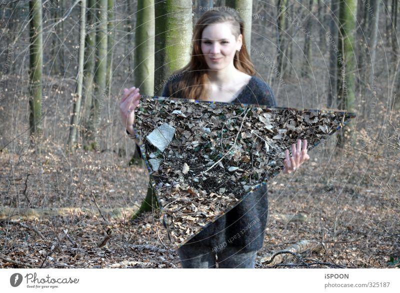 DREIECK Mensch feminin Junge Frau Jugendliche Körper Haut Kopf Haare & Frisuren Gesicht Hand Finger 1 18-30 Jahre Erwachsene Umwelt Natur Frühling Baum Wald