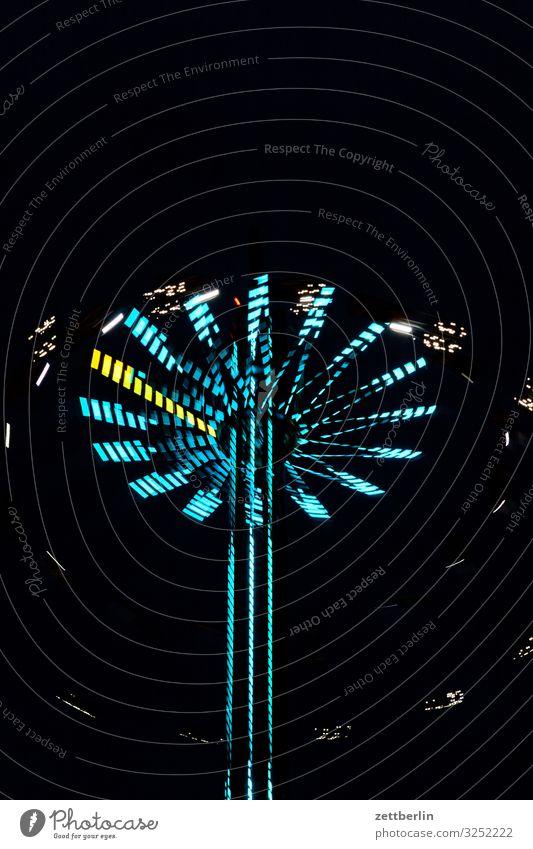 Rummel Abend Bewegung blinkern mehrfarbig Dynamik Phantasie glänzend Kunst Licht Lichtspiel Lichtmalerei Lightshow Linie Märchen Nacht Natur Jahrmarkt