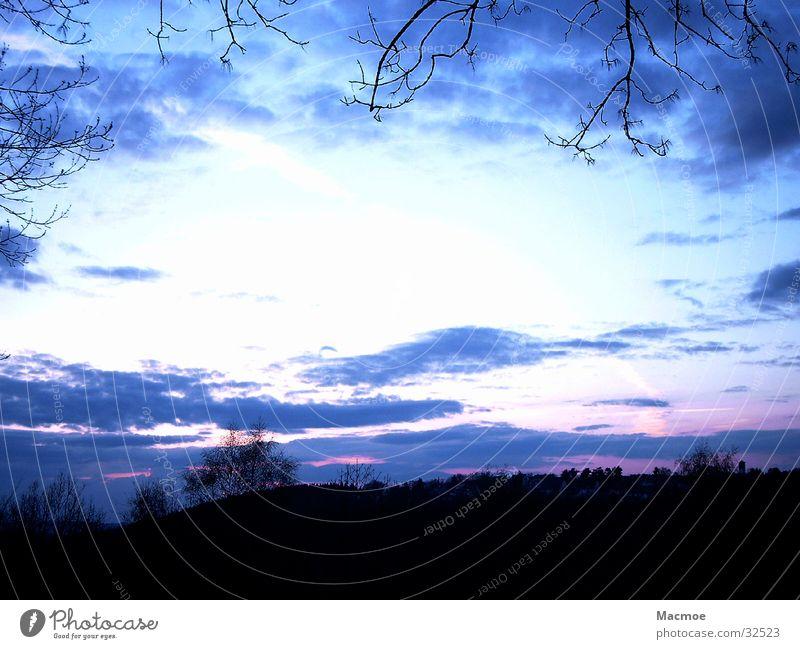 Abends im Sauerland Himmel Baum Wolken Berge u. Gebirge