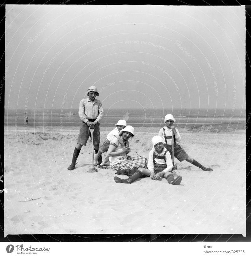 Kuschelgruppe   Work-Life-Balance Mensch Himmel Natur Ferien & Urlaub & Reisen Wasser Sommer Landschaft Strand Erwachsene Umwelt Küste Sand