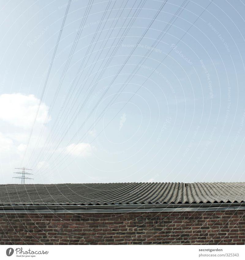gute leitung. Technik & Technologie Telekommunikation Wolkenloser Himmel Sommer Industrieanlage Bauwerk Gebäude Architektur Mauer Wand Fassade Dach Dachrinne