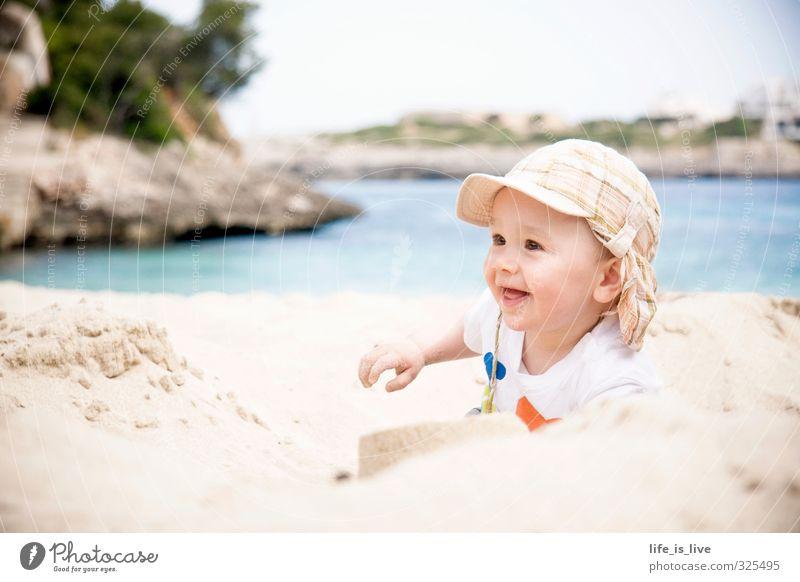 summertime Mensch Ferien & Urlaub & Reisen Meer Freude Strand Ferne Leben Spielen Sand maskulin Kindheit leuchten Baby Lächeln Kleinkind Sommerurlaub
