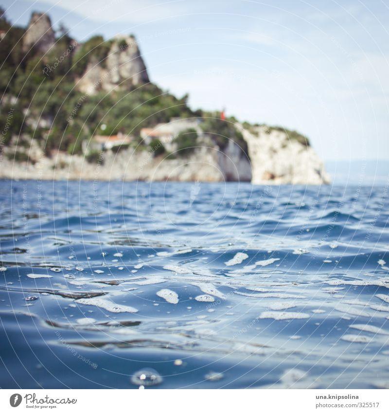 küste Umwelt Natur Landschaft Wasser Himmel Sommer Felsen Wellen Küste Meer Adria Kroatien Istrien frisch maritim nass blau Erholung Idylle