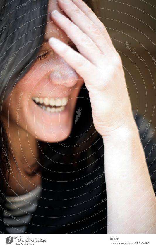 :-) Lifestyle Stil Freude Frau Erwachsene Leben Gesicht Zähne Hand 1 Mensch 30-45 Jahre Lächeln lachen authentisch Fröhlichkeit schön natürlich Gefühle