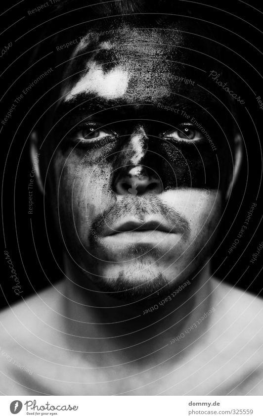 schwarz zu weiß - schwarzweiß Mensch Jugendliche Erwachsene Junger Mann Gesicht Auge 18-30 Jahre Haare & Frisuren Denken Kopf Stimmung braun Angst maskulin Haut