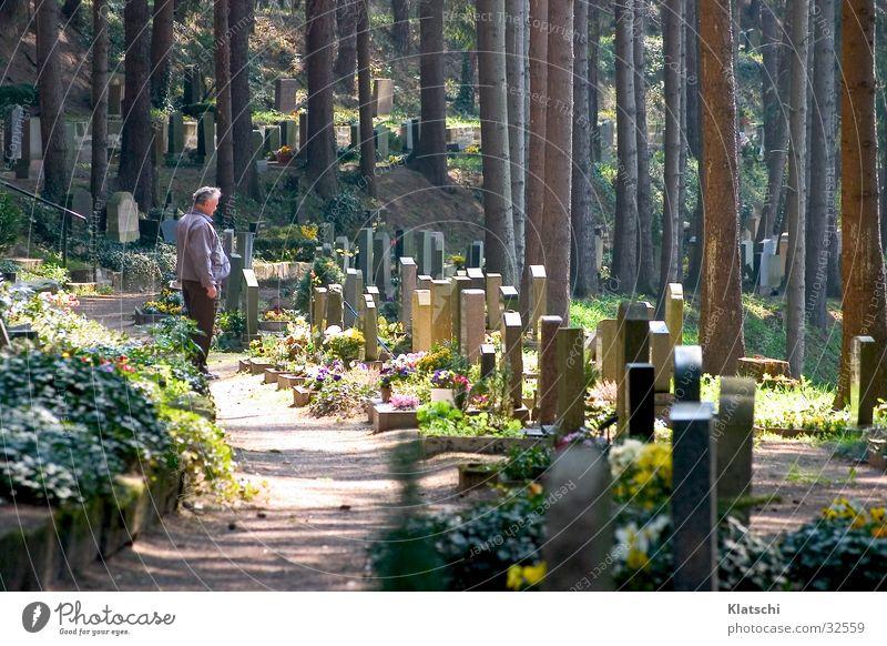Trauer Mann Tod Friedhof Grabstein