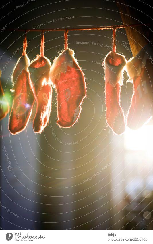 Wichtelei Freizeit & Hobby Weihnachten & Advent Dekoration & Verzierung Adventskalender Girlande hängen rot durchleuchtet Vorfreude Geschenk Tradition Farbfoto