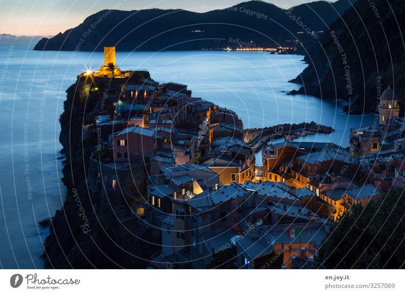 Vernazza Ferien & Urlaub & Reisen Ausflug Ferne Sightseeing Städtereise Meer Umwelt Landschaft Berge u. Gebirge Küste Cinque Terre Ligurien Italien Dorf