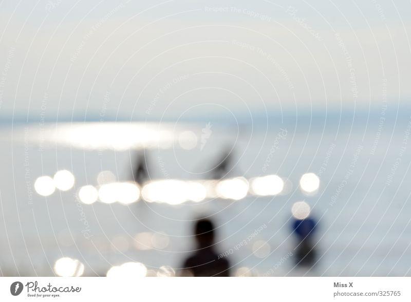 verschwommen* Ferien & Urlaub & Reisen Sommer Sommerurlaub Sonne Sonnenbad Menschenmenge Strand Nordsee Ostsee Meer Schwimmen & Baden Sonnenstrahlen Seeufer