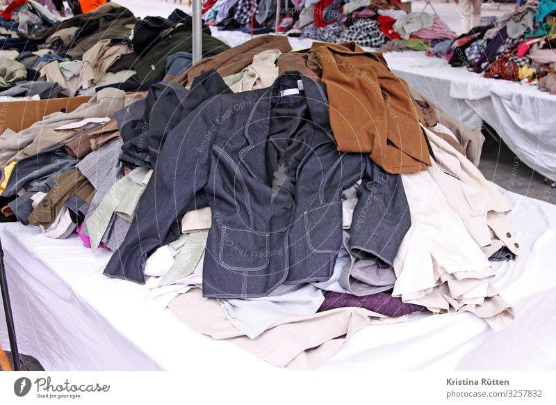 klamotten flohmarkt Stil Mode retro Bekleidung kaufen Hose altehrwürdig Jacke Hemd Markt verkaufen schenken altmodisch Hipster gebraucht Flohmarkt