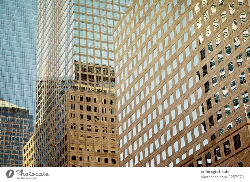 Golden City New York City Manhattan USA Stadtzentrum Skyline Menschenleer Haus Hochhaus Bauwerk Gebäude Architektur Mauer Wand Fassade Fenster Beton Glas gold