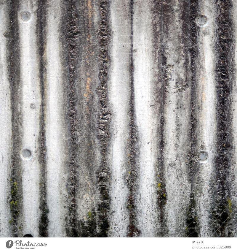 Siff-Streifen Wand Mauer grau dreckig Beton Streifen Verfall Renovieren