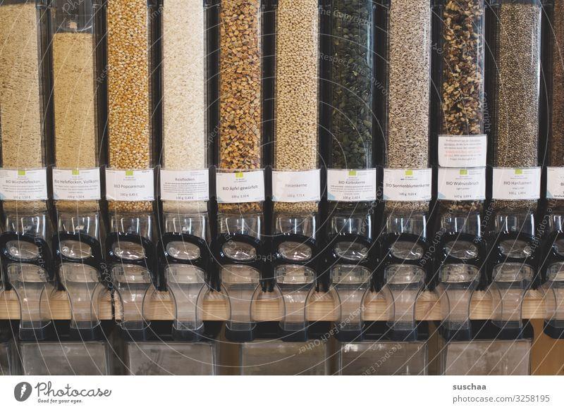 selbst abfüllen (4) Glasbehälter Bioprodukte Getreide Müsli Ladengeschäft Selbstbedienung nachhaltig ohne Verpackung unverpackt Regal ökologisch Umweltschutz