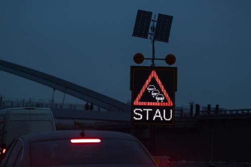 #Stau Verkehr ästhetisch Verkehrswege Autobahn Autofahren Verkehrsmittel Verkehrsstau Verkehrsunfall
