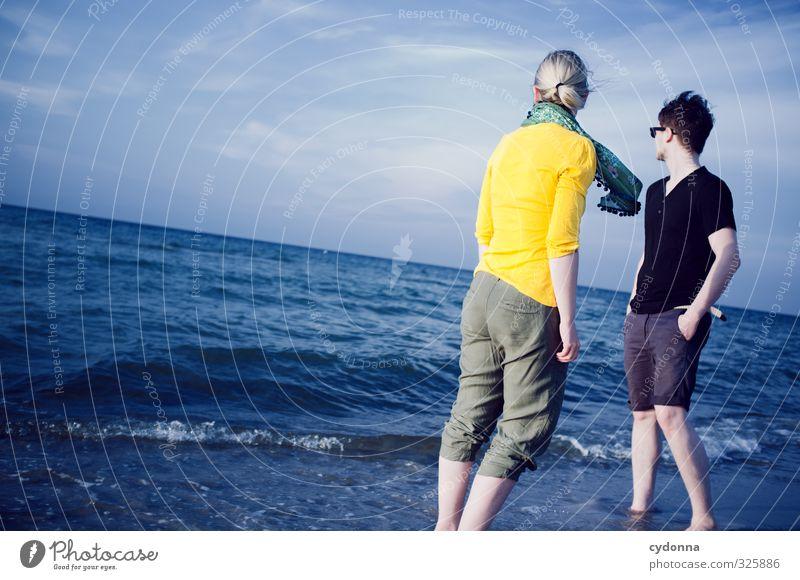 Meerblick Mensch Natur Jugendliche Ferien & Urlaub & Reisen Sommer Landschaft Erholung ruhig Strand Junge Frau Erwachsene Junger Mann Leben 18-30 Jahre Freiheit
