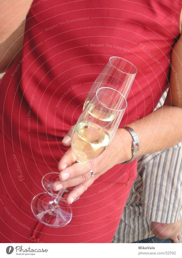 Noch nen Sekt? Frau Hand Ernährung Party Glas Alkohol