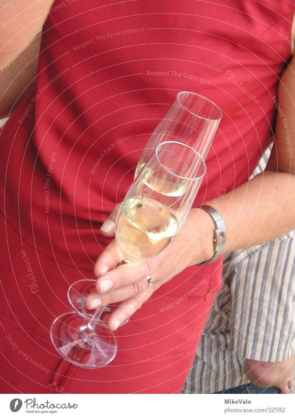 Noch nen Sekt? Glas Frau Hand Ernährung Alkohol Party Die Korken knallen lassen Partystimmung Partygast 2 rot Detailaufnahme