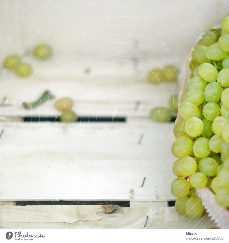 Weintrauben Lebensmittel Frucht Ernährung Bioprodukte Vegetarische Ernährung frisch Gesundheit lecker saftig Sauberkeit süß Obstverkäufer Farbfoto mehrfarbig