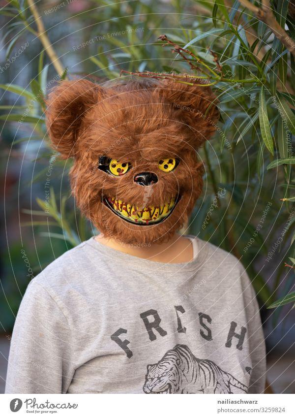 Bär Mensch maskulin Kind Junge 1 8-13 Jahre Kindheit Pflanze Baum Blatt Grünpflanze Mode T-Shirt Accessoire Maske Maskenball Bär Maske Lächeln Blick Aggression