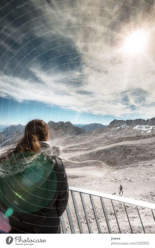 Begegnung feminin Frau Erwachsene 2 Mensch Landschaft Himmel Wolken Horizont Schönes Wetter Alpen Berge u. Gebirge Zugspitze Schneebedeckte Gipfel beobachten